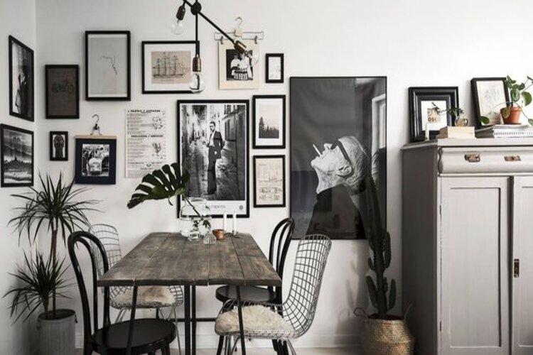 mur de cadres photos décoration